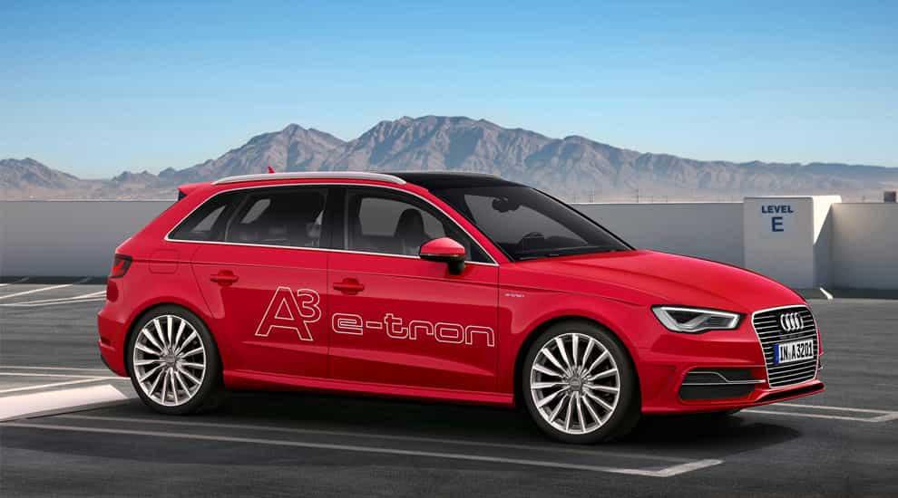 Audi A3 e-tron сбоку.
