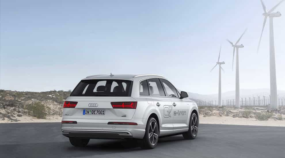 Audi Q7 e-tron 2016.