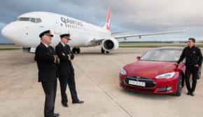 Редкая гонка Tesla Model S P90D и Boeing 737-800. Что быстрее электромобиль или два реактивных двигателя.