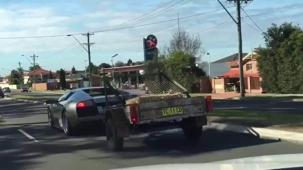 Lamborghini murcielago с прицепом.