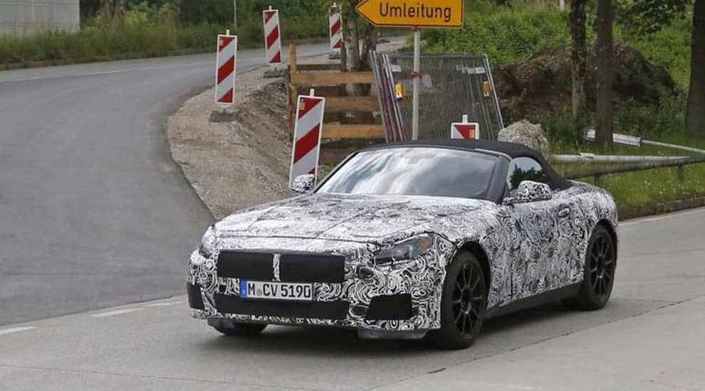 По не подтвержденным источникам сообщается, что BMW Z4 уйдет с рынка в конце августа этого года. На замену придет BMW Z5 разработанная совместно с Toyota. Инженеры BMW заявили, что участие сторонних специалистов было минимально.