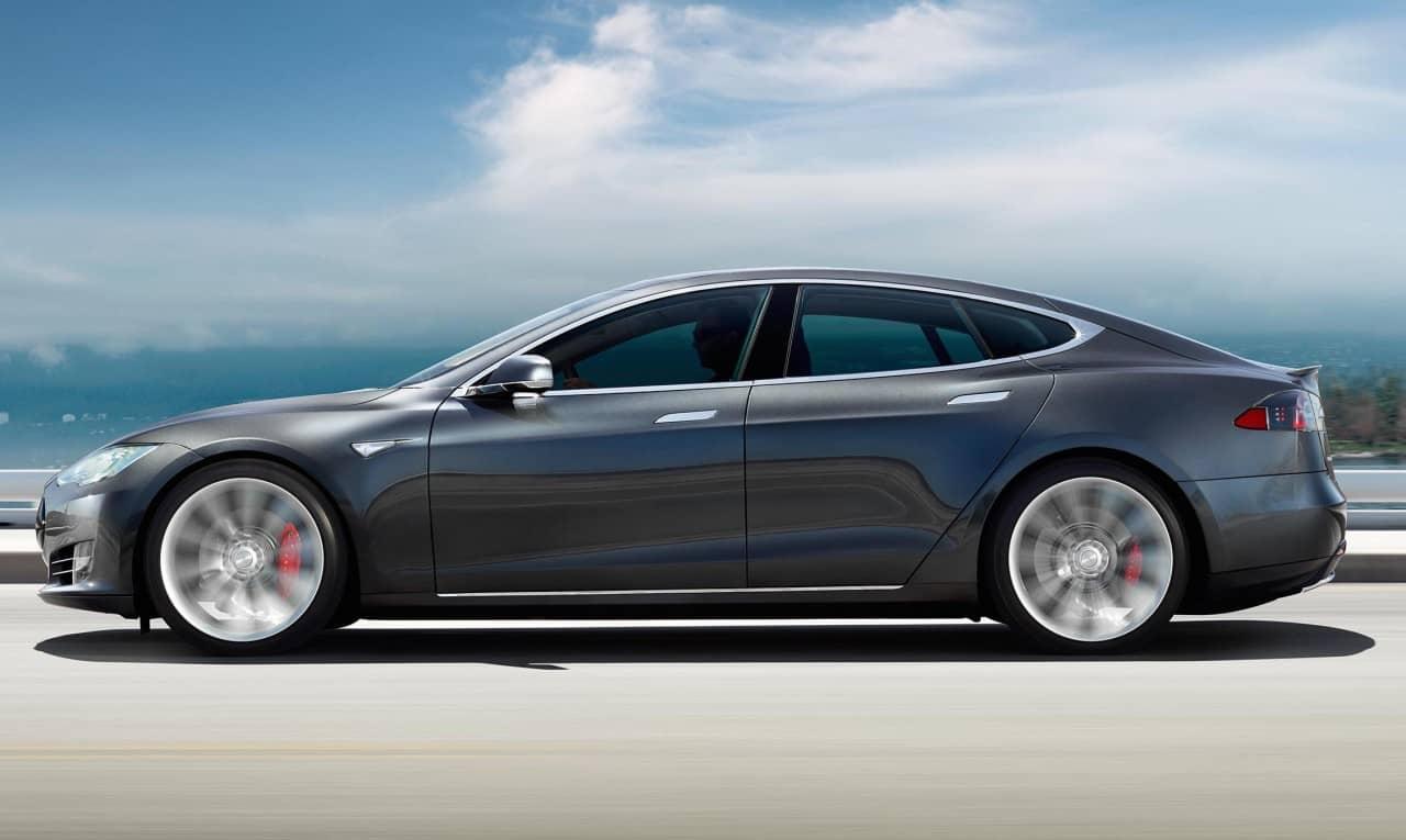 Авария Tesla model S в Китае.