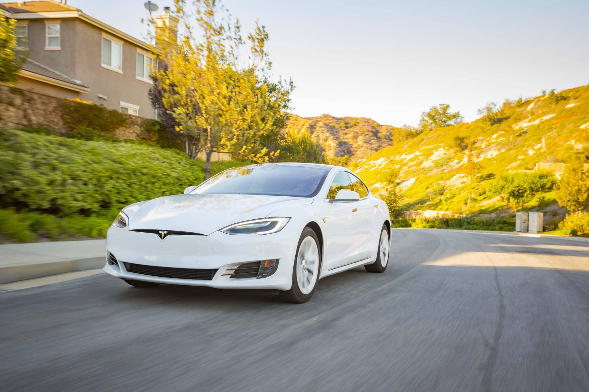 Власти Германии критикуют Tesla.