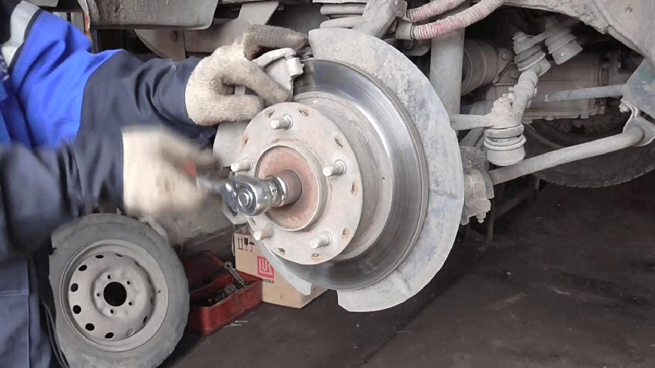 Причины поломки ступицы переднего колеса.